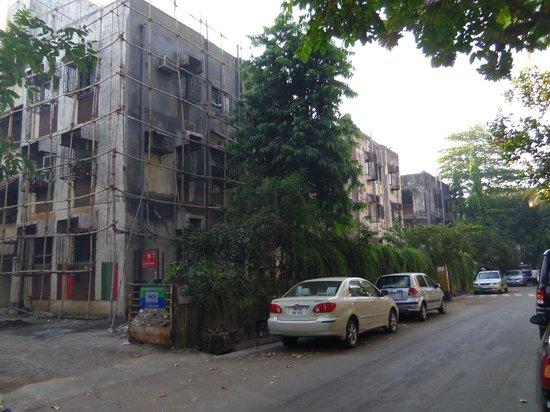 Hotel Ruyale Inn: street