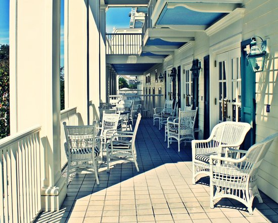 Disney's BoardWalk Inn: Hotel seating
