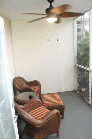 Orlando's Sunshine Resort: The Patio