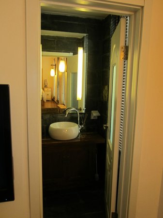 The Orchid Hotel: Bathroom. Yin Room, Orchid Hotel. Beijing.