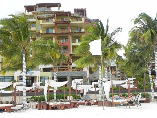 Villa del Palmar Cancun Beach Resort & Spa: View from the beach
