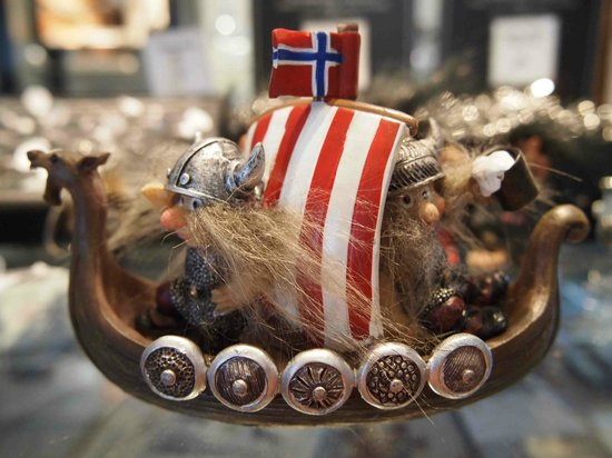 Viking Ship Museum : gift shop