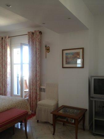 阿多尼斯酒店照片