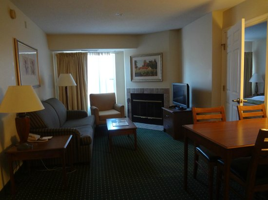 Hawthorn Suites By Wyndham Merrimack/Nashua Area: Garden Style Suite