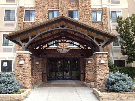 Staybridge Suites Denver-Cherry Creek: One of the entrances