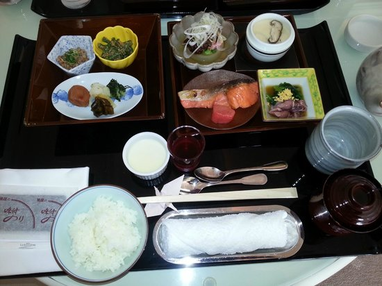 ホテル ラ・スイート神戸ハーバーランド, 和定食のルームサービス