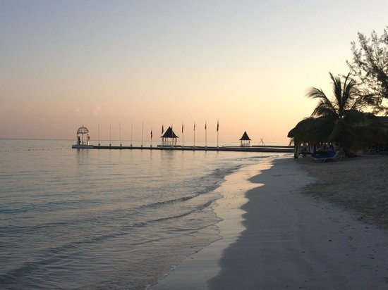 Sandals Montego Bay: The romantic and peaceful beach in the morning