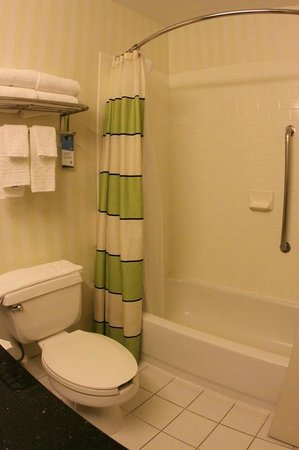 Fairfield Inn & Suites Abilene: Shower