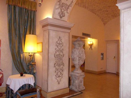 Veneto Palace Hotel: hotel corridor