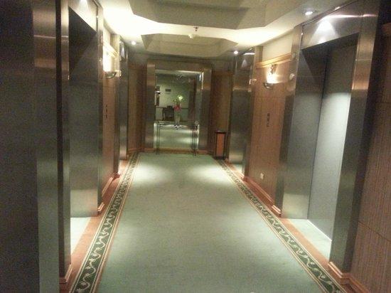 彩虹摩天飯店照片