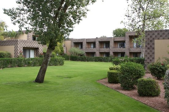 DoubleTree Resort by Hilton Paradise Valley - Scottsdale: Nice grounds