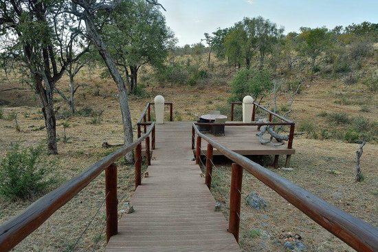 Royal Madikwe Luxury Safari Lodge: main lodge sitting