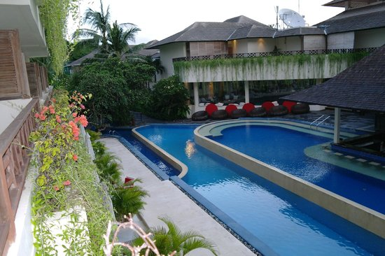 The Breezes Bali Resort & Spa: pool and activity centre