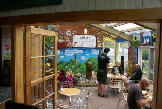 Niagara Falls Cafe: the covered patio