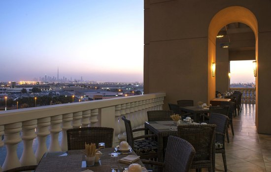 Sheraton Dubai Mall of the Emirates Hotel: Sanabel Restaurant Terrace