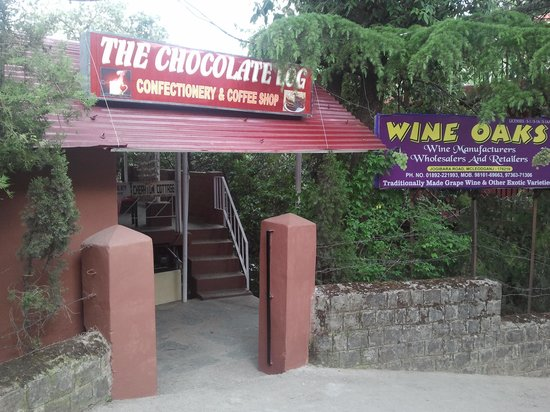 The Chocolate Log: The entrance