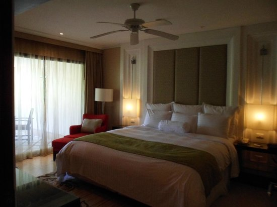 Marriott's Mai Khao Beach: Master bedroom