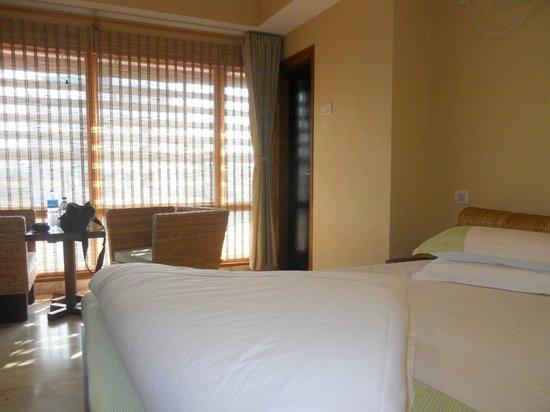 Rains Inn: Deluxe Double Bed Room