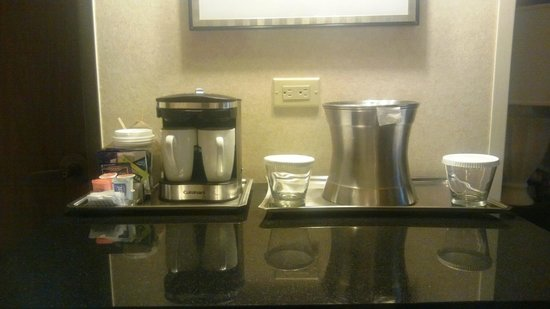 Hilton DFW Lakes Executive Conference Center: Coffee corner