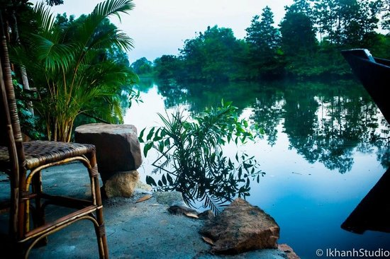 The Estuary Guesthouse: Misty morning on the river