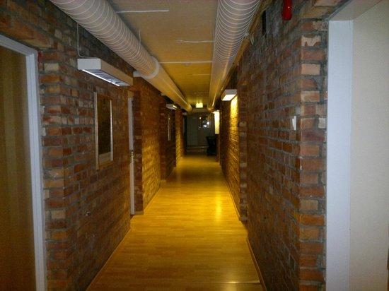 Oslo Hostel Haraldsheim: korytarz