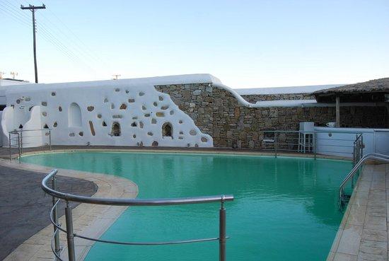 Arte & Mare Elia Mykonos Suites: la piscine