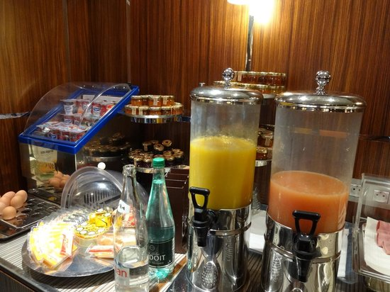 Hotel Jardins d'Eiffel: Breakfast Options