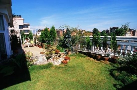 Himalaya Apartment Hotel: Terrace Garden in Royal Suite