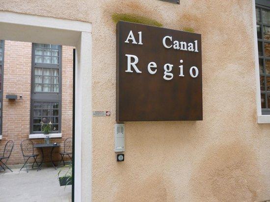 Al Canal Regio: entrée de l'hotel