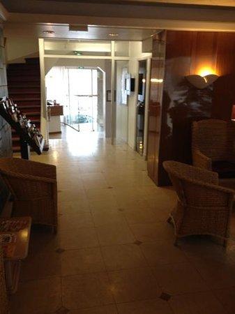Hotel Richaud: hotel lobby