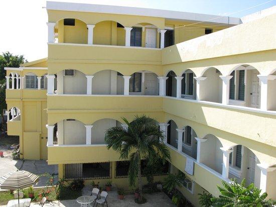 Gran Hotel De La Isla: Front of the hotel facing St Helena