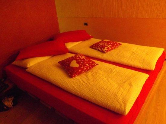 Ambienthotel PrimaLuna: Bed