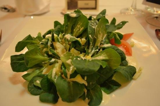 Restaurant Doerfli: Nüsslisalat mit Ei