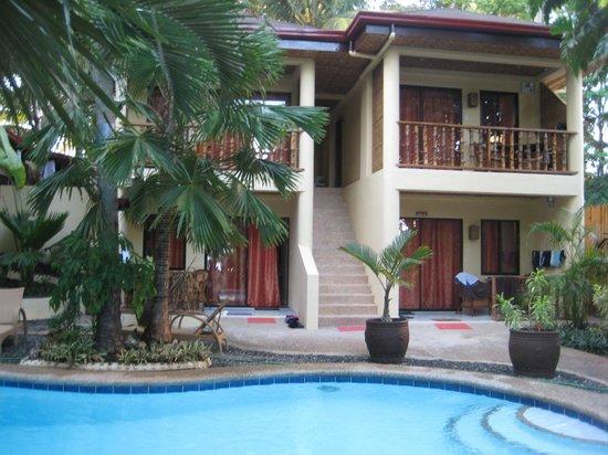 Alona Vida Beach Resort: Superior Rooms von Aussen