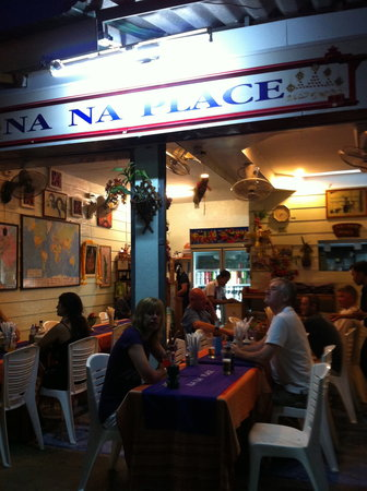 Na Na Place: Late dinner at Na Na