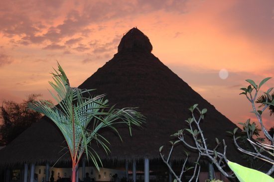 Navutu Dreams Resort & Spa: Beautiful end to a great day.