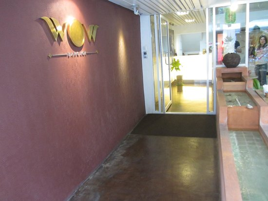 WOW Bangkok: Ingresso Hotel
