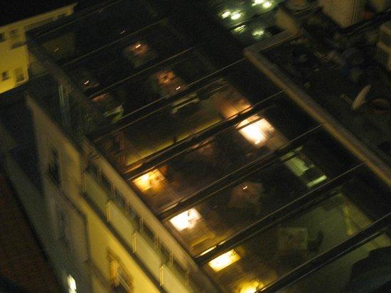 Anemon Galata: ristorante/terrazza verandata dell'hotel vista da torre di galata