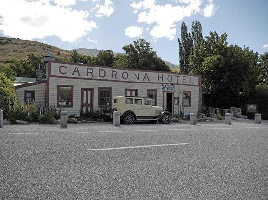 Cardrona Hotel: La facciata originale