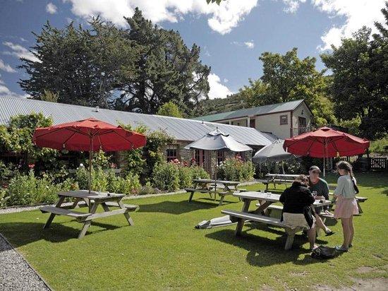 Cardrona Hotel: Il giardino interno