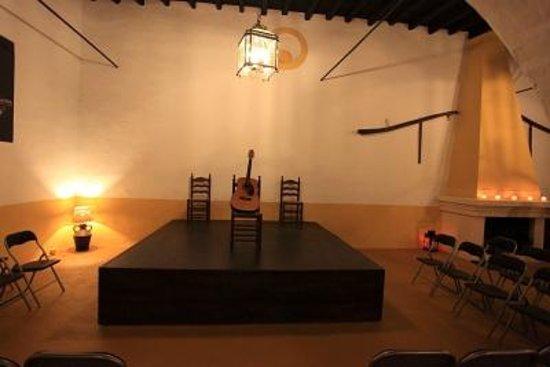 Esencia: The stage