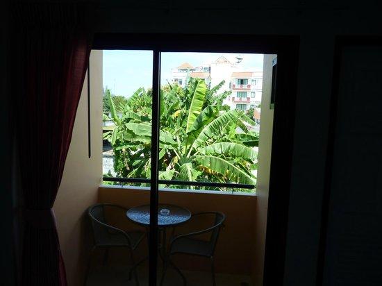 Phuket Airport Inn Hotel: Balcony
