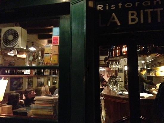 Ristorante La Bitta : la Britta exterior at night in a small side street