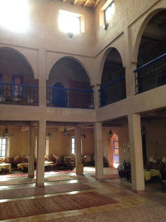 Hotel Kasbah Kanz Erremal: Il patio