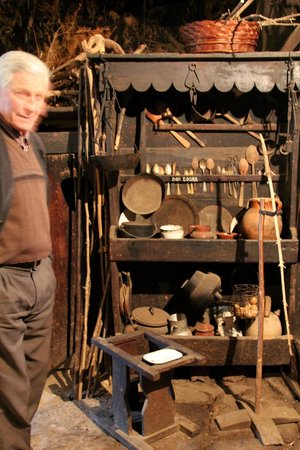 Palloza Museo Casa do Sesto: El morador en su palloza