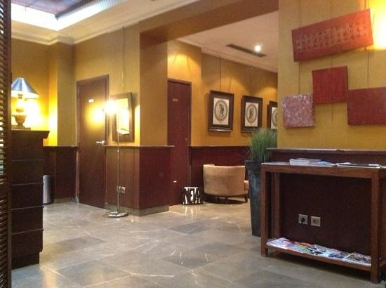 Hotel Montfleuri: reception