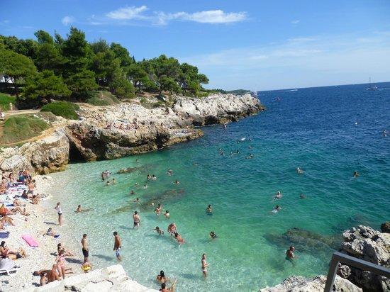 Pula, Kroatië: Havajsko beach