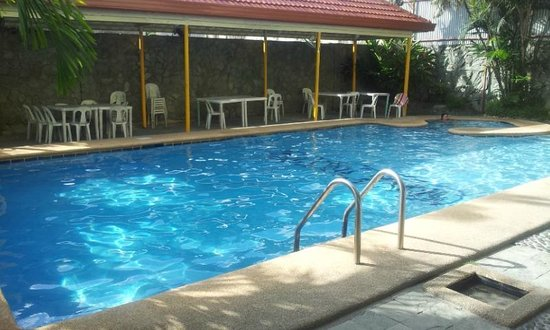 Standard Room Picture Of Metro Park Hotel Cebu City Tripadvisor