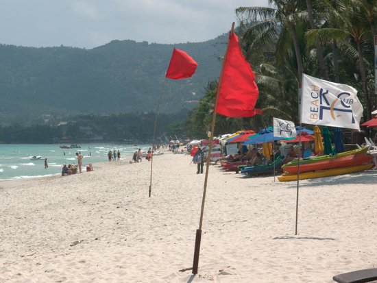 Buri Rasa Village Samui: Chaweng Beach is good for swimming here - normally