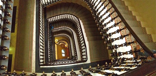 Hotel Avenida Palace: Stairwell